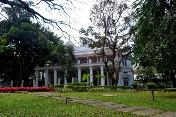 The facade of the Manikyavelu Mansion