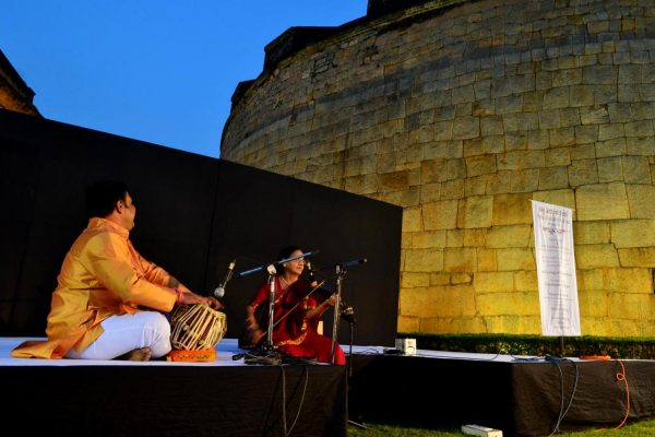 Padmabhushan Dr. Rajam playing her violin and mesmerizing the crowd at the bangalore fort.