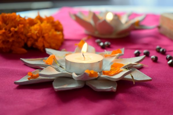DIY Lotus candle holder